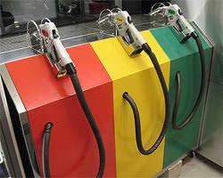 ♪自分でセルフ給油もできますよ♪ ハイオク満タンで!!
