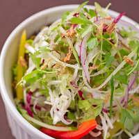 犇めきサラダ 10種の野菜がてんこ盛り