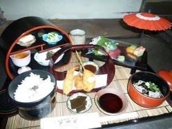 季節限定。 一日20食まで 季節御膳 ¥1980