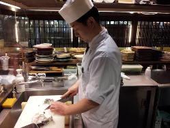 【割烹料理人】の料理長が本気の和食を調理!