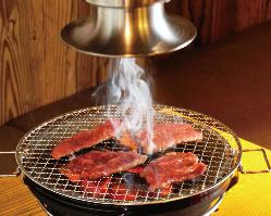 備長炭が肉の旨味を引き出します