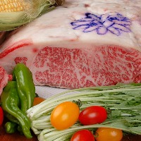 のじぎくの紋章・神戸ビーフの証 とろける食感をお楽しみ下さい