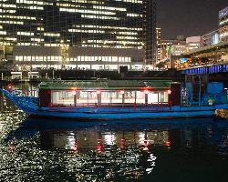 屋形船の醍醐味、外の夜景!川や橋もライトアップします☆