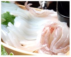 これが名物「壱岐イカの姿造り」新鮮なイカの甘みが味わえる♪