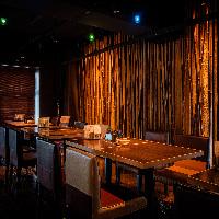 【伝統とモダン】 京都らしい和モダンな雰囲気が魅力の店内