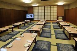 新館2階の4部屋をつなげると80名様収容の宴会場に