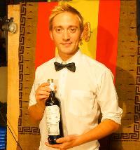 スペインワイン、各種そろっています。豊潤な世界へどうぞ!!