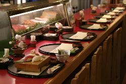 当店自慢の寿司カウンター、青丹すしコーナー