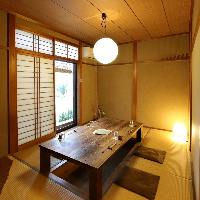 【和空間】 中庭を眺められる座敷や掘りごたつ席の個室を完備