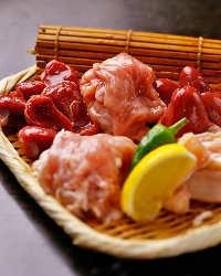 〈上質肉〉 牛タン、イベリコ豚、朝引き地鶏も炉端焼きでご堪能