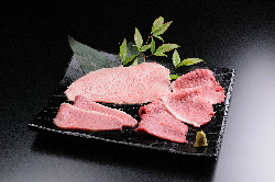 黒毛和牛の最高品質「田村牛」をご賞味くださいませ。