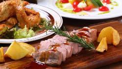 多彩な肉バルメニューとキンキンに冷えたハイネケンで乾杯☆