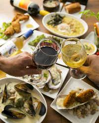 美味しい料理に乾杯!牡蠣を使った一品と相性抜群のお酒も多数☆