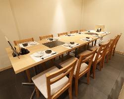 宴会・接待・会食は落ち着いた個室でお過ごし下さい