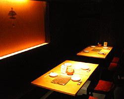 6卓12席のテーブル席