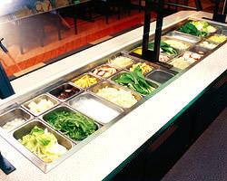 約20種類の季節の鍋野菜が取り放題の食べ放題♪