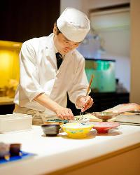 〈繊細な技〉 料理人のセンスが光る美味をご堪能ください