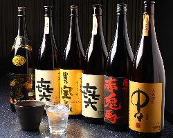 お料理によく合う焼酎、日本酒を厳選してご用意しております。
