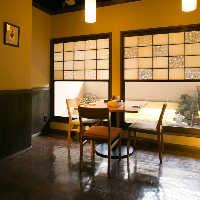 風情ある和空間でのお食事は 宴会に限らず大人なデートにも◎