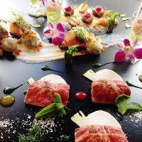 美味しい料理とドリンクで、楽しいひと時をお過ごし下さい。