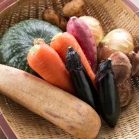 自社農園で丁寧に育てたお野菜や、地元三田の旬野菜をご提供