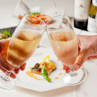 お祝いのお食事にはスパークリングワインや ケーキのご用意もOK