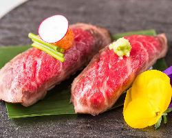 人気の神戸牛のお寿司も800円~ご用意!