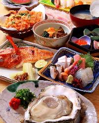 市場直送の魚介を使用したコースは4,950円(税抜)からご用意。