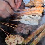ヘルシーなオリーブオイルで仕上げる串焼きは絶品!