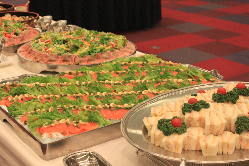 シェフによる彩り華やかなパーティ料理