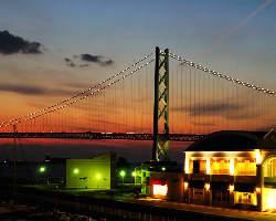 明石海峡大橋を眺めながらお食事を