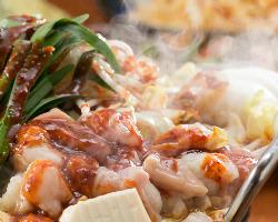 鍋料理も大人気! 赤鍋、白鍋からお選び頂けます!