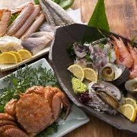 カニ料理をはじめ、北海道の新鮮魚介が味わえるお料理が多数。