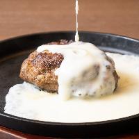 季節の魚のポワレ シェフ手作りの特製ソースをお愉しみください