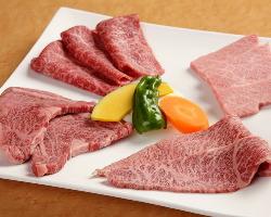 お肉の一品メニューも職人技で