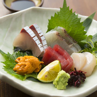 毎朝市場より仕入れる 新鮮な魚に舌鼓…