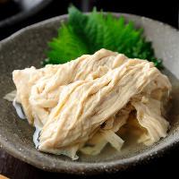 〈京の逸品〉 湯葉や生麩など、京都を感じる料理も多数