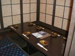 個室、テーブル、カウンター、色々なスチエーションで