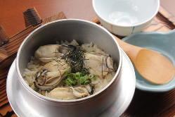 匠の技を駆使した握り寿司 美しい盛り付けに魅了