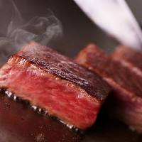 【国産牛ステーキランチ】ステーキとサラダ、デザートのランチ