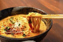 もはや、中華屋さんを超えた「究極の担々麺」。こりゃ旨いです☆