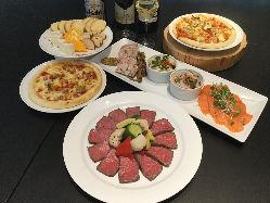 山形牛を使ったお料理やピッツァなど、お酒と合う料理の数々