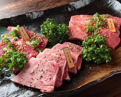 和牛の美味しさが味わえる人気No1メニュー★『肉盛りA』★