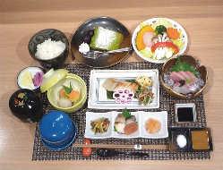 ご夕食・夜の旬菜魚膳 2,700円
