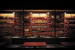 本格イタリア料理によく合う絶品ワインを取り揃えております。