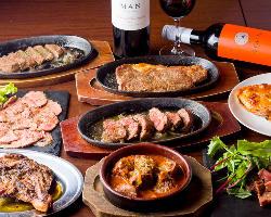 牛、鶏、豚とお肉大集合!!ワインが進んで止まらない♪