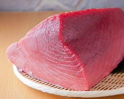 愛媛県産『だてまぐろ』など全国の食材が多数揃っています