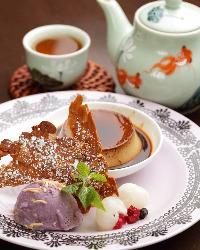 濃厚なベトナム風プリンなど、食後のデザートも豊富