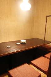 少し明るめの個室