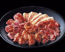 さかいに来たら、まず食べてほしい。人気メニューの盛り合わせ!